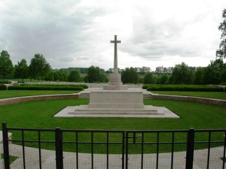 cross-of-sacrifice-hooge-crater-cemetery_sml