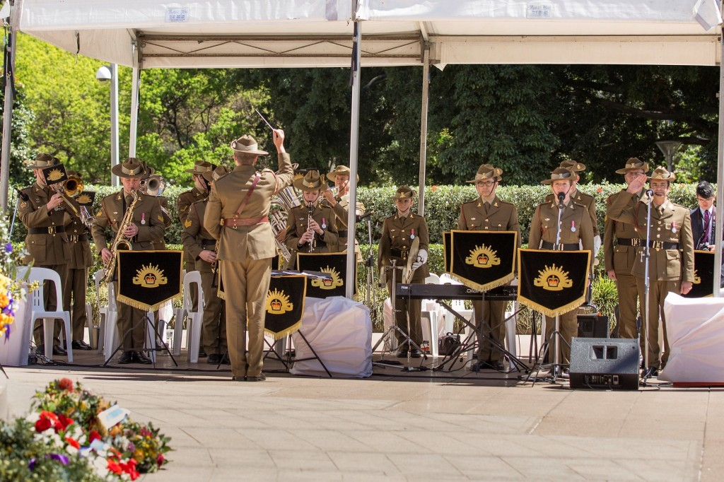 ANZ_YPRES_2017_394c Australian Army Band Sydney playing UK National Anthem led by Amelia Johnson