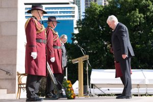 2016 07 19 Fromelles Day Sydney_0373 wreath laying small cropped