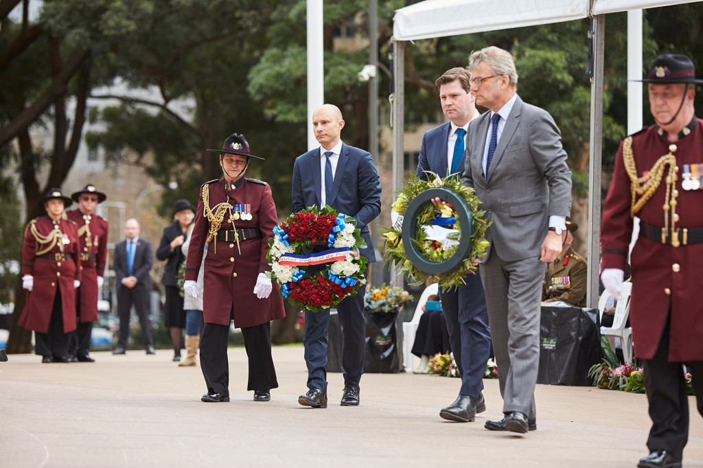 ANZ_Fromelles__2018_151 French Dep C-G Pierre Bianconi, NSW Govt Scott Farlow, British C-G Michael Ward Wreath laying
