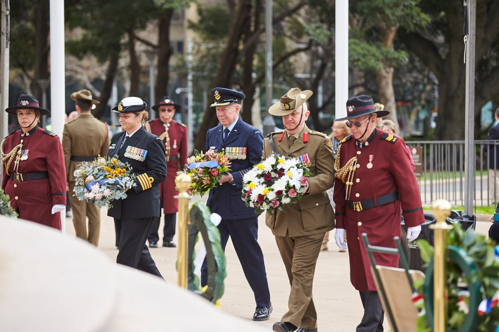ANZ_Fromelles__2018_190 Wreath laying RAN Capt Amanda Garlick, RAAF Group Capt Peter Friend, Army Brig Neil Sweeney