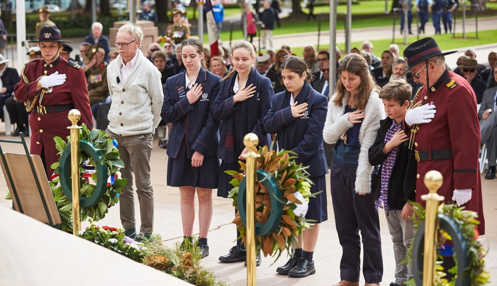 ANZ_Fromelles__2018_249 Michael Sharkey & St Clare's College & Sophia and Cameron Jeffries Wreath laying