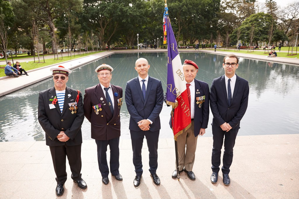 ANZ_Fromelles__2018_318 French Deputy Consul-General Pierre Bianconi with French War Veterans of NSW